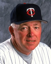 (Willmar, MN)-Two-time World Series champion manager <b>Tom Kelly</b> will throw ... - Tom_Kelly